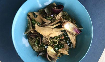Høne med grønnkål og quinoa